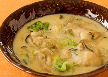 牡蠣と白菜の塩レモンクリーム煮